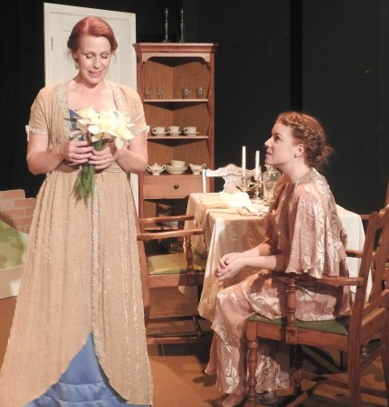 Hannibal, MO: Professional theater-intimate setting.  Laurie McConnell & Betsy Bowman in The Glass Menagerie 2