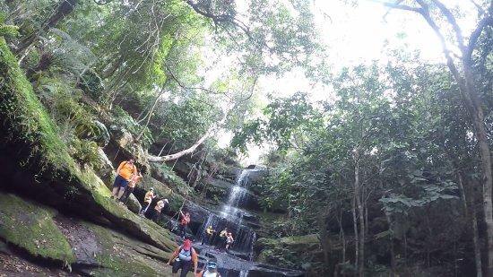Piribebuy, Paraguay: increible vista, desciende unos 30 metros durante 7 saltos, traten de visitarlo...!!