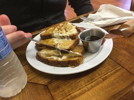 Huntington, فرجينيا الغربية: Butter It Up French Toast