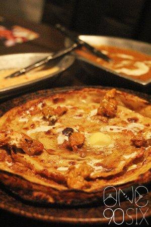 Gastronomica Kitchen & Bar: Naan