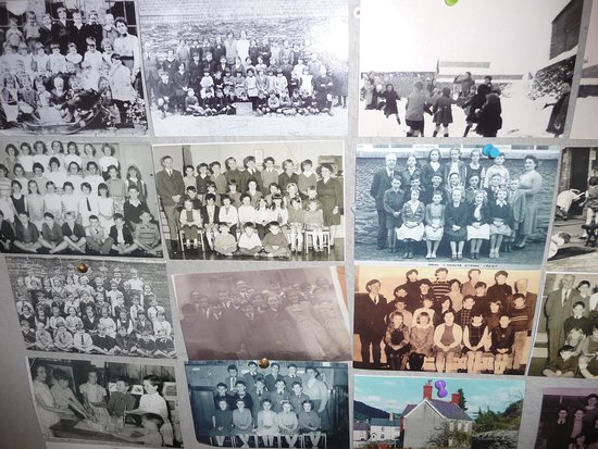 Corwen, UK: Our Memory Boards are very popular with local people.  These are school photos from various deca