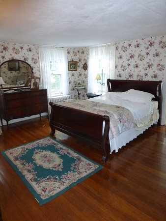 Old Sea Pines Inn: the Rowantree Room