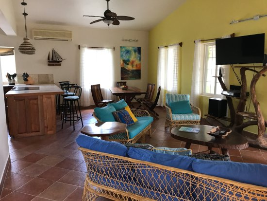 Caye Casa: Water Caye Villa (queen suite with seaview)