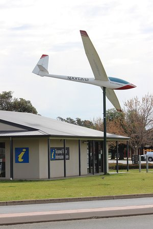 ‪Tocumwal Visitor Information Centre‬