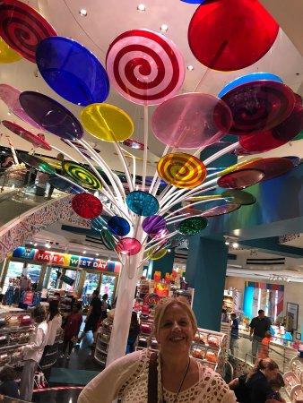 Dylan's Candy Bar : photo1.jpg