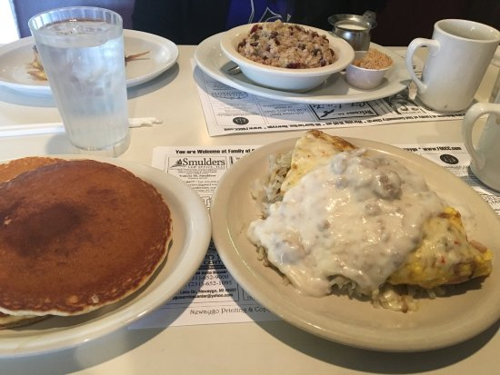 Newaygo, MI: Great breakfast and large portions