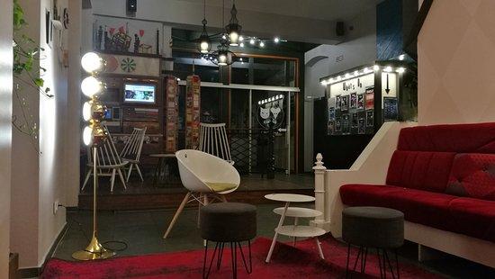 The Circus Hostel: IMG_20171011_005321_large.jpg