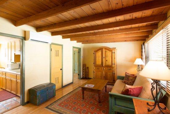 Ojai, CA: Suite #3 Living Room
