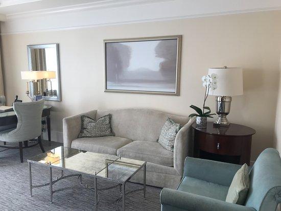 The St. Regis Atlanta: Living room
