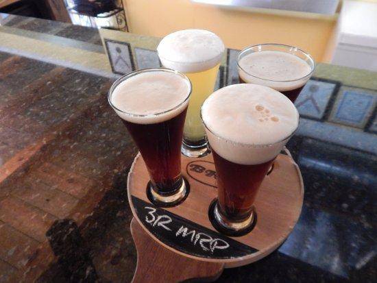 มิดเดิลทาวน์, เวอร์จิเนีย: 4 beer sampler