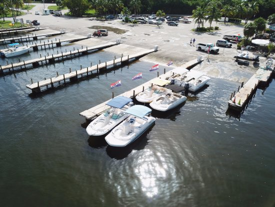 North Miami Beach, Floride : Boat rentals start here at Haulover.  We just bought new boats.