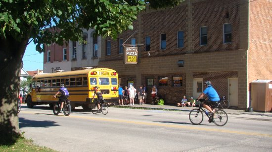 Waukon, IA: Had a line around the corner for Ragbrai :)