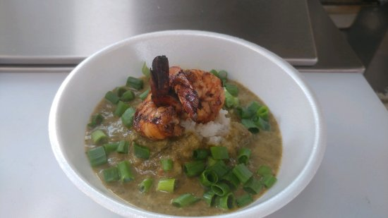 Redmond, Oregón: Callaloo (Spinach) Soup, garnished with jerk shrimp and green onion.  Sirius deliciousness!