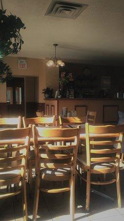 Markdale, Canada: Steven's Bar-Bq Restaurant