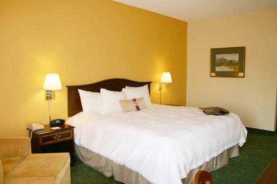 New Philadelphia, OH: King Room