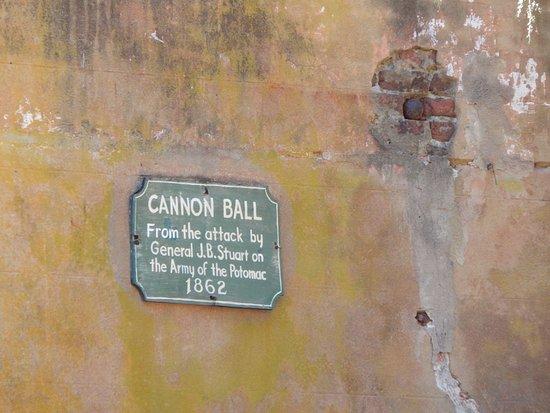 Charles City, VA: cannon ball