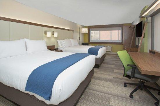 Platteville, WI: Queen Bed Guest Room