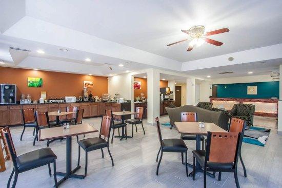 Centerville, TN: Hotel lobby