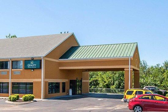 Centerville, TN: Exterior