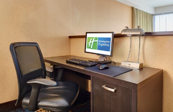National City, CA: The self-service business center is always available to guests.
