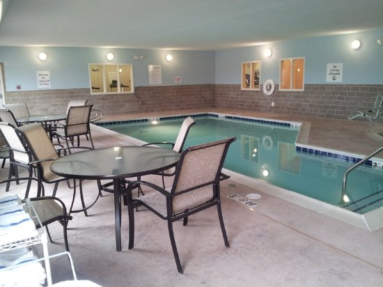 Swimming Pool, Holiday Inn Express and Suites Albert Lea