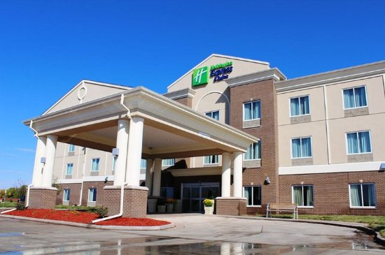 Hotel Exterior of Holiday Inn Express and Suites Albert Lea
