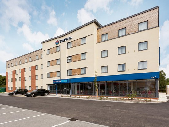 Winnersh, UK: Travelodge Exterior