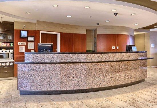 Mechanicsburg, PA: Front Desk