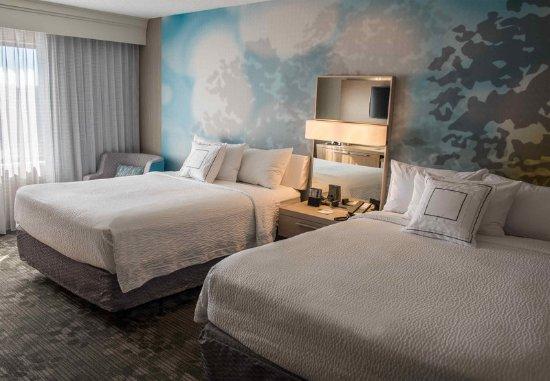 Norwich, CT: Queen/Queen Guest Room
