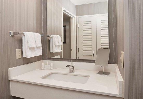Pontiac, MI: Guest Bathroom Vanity