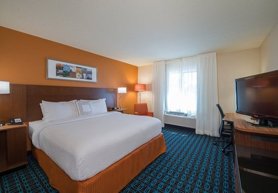 Lewisville, TX: King Guest Room