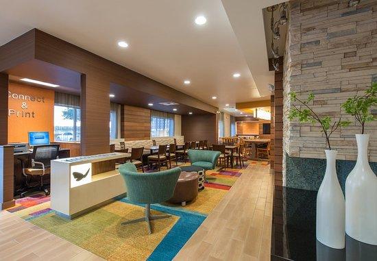 Lewisville, Техас: Lobby – Sitting Area