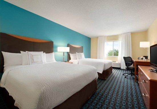 Bourbonnais, IL: Queen/Queen Guest Room - Amenities