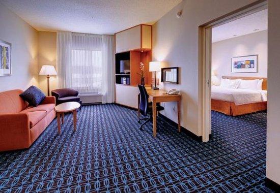 Weston, WI: One-Bedroom King Suite