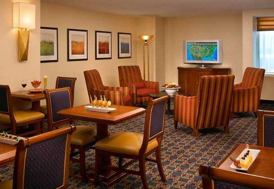 Livonia, MI: Concierge Lounge