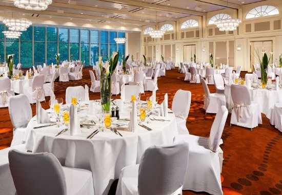 Frankfurt Marriott Hotel : Platinum Ballroom Gala Set Up