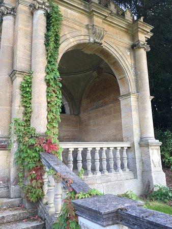 Rotherwick, UK: The Italian Garden