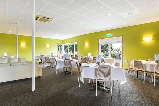 Rosetta, Australia: Light & bright dining room!