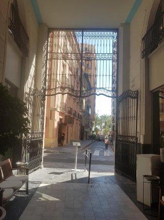 Hospes Amerigo: The entrance area