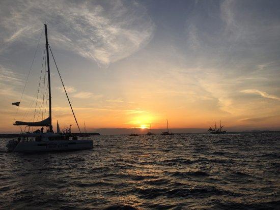 Santorini Sailing Center: Gorgeous sunset