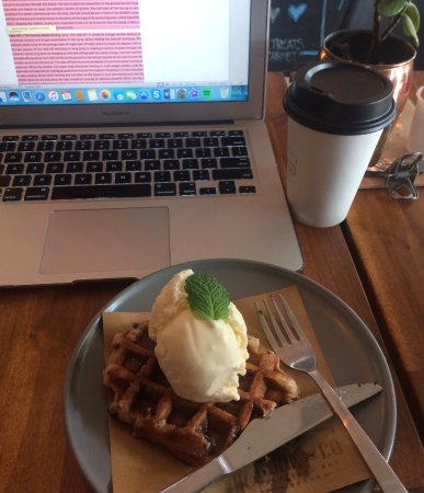 Tewantin, Australia: Waffles are amazing!!!