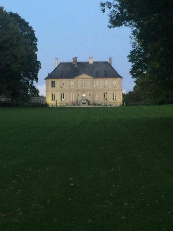 Château de la Ferrière : Driving up to the Chateau
