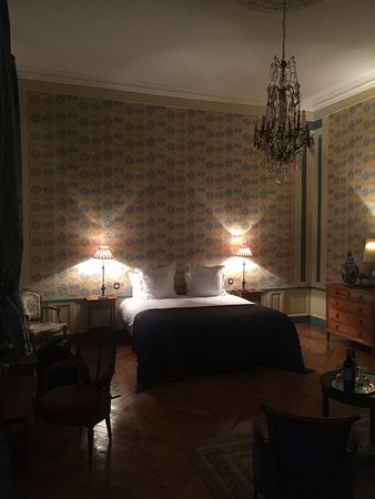 Vaux-sur-Aure, France : The beautiful bedroom