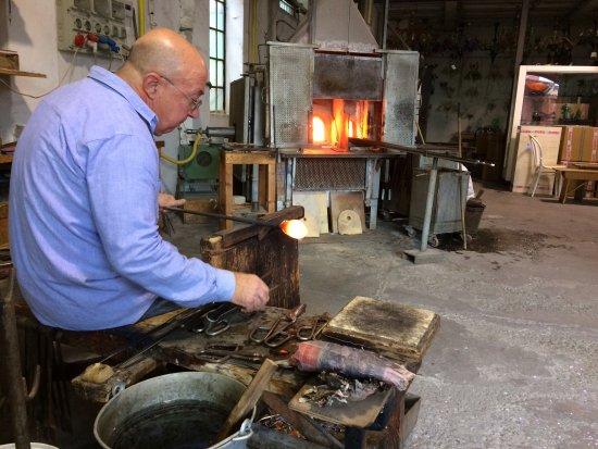 Guarnieri Glass Factory: Demonstration making a glass horse