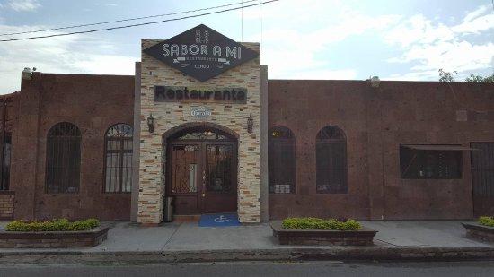 Lerdo, Mexico: Facade