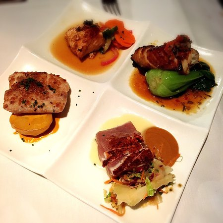 Roy's Restaurant: photo3.jpg