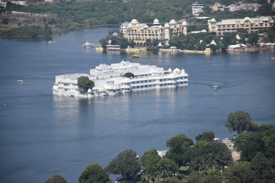 Machla Magra (Fish Hill): Taj Lake Palace