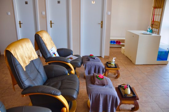 Thai Touch Massage: Thank you Ms Nim, Jasna and all the amazing ladies at Thai massage who nursed my broken back to