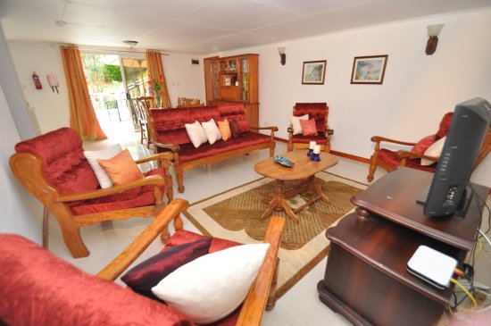 Port Glaud, Seychelles: View of the living room