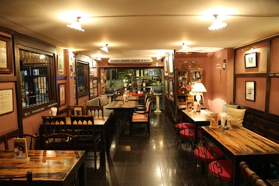 Bharani was one of the first restaurants in Bangkok to serve western food.